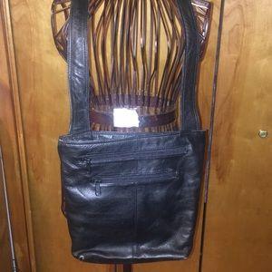 Handbags - 🔴3️⃣for2️⃣5️⃣Over Shoulder Black Leather Purse